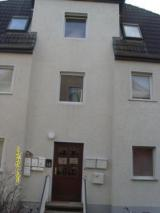 Gut vermietetes Mehrfamilienhaus mit 3 Wohnungen, 2,5-Garagen und 3-Stellplätzen